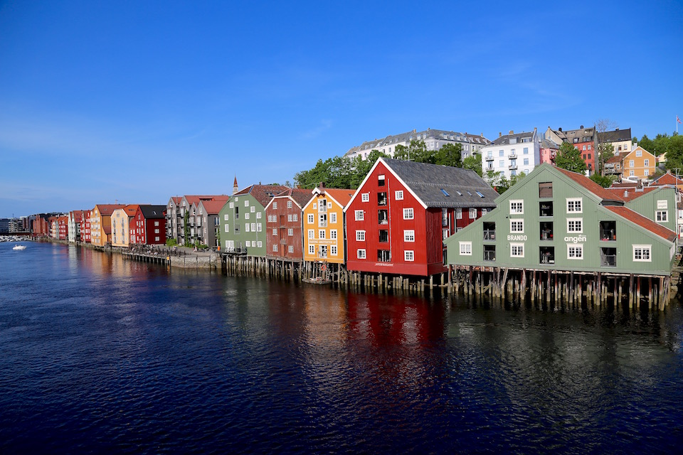 Trondheim's Nidelva river has it's very own popular waltz song written by Norwegian composer Oskar Hoddø.